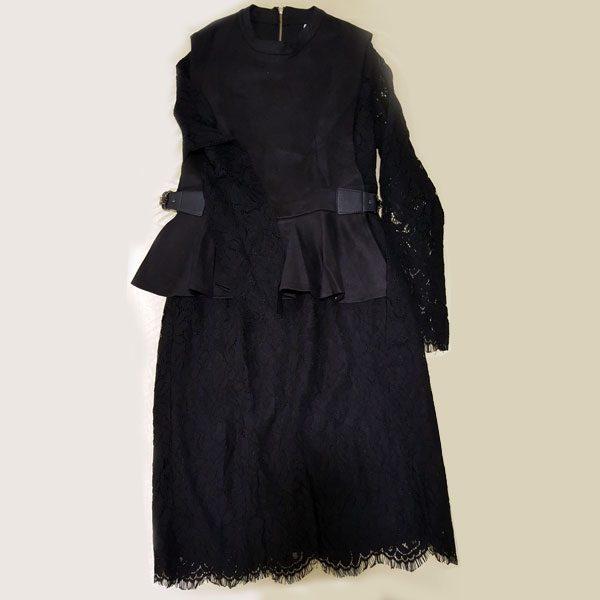 ชุดเดรสดำลูกไม้เสื้อกั๊ก