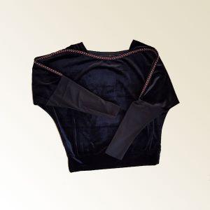 เสื้อกำมะหยี่แขนยาวสีดำ ขลิบขาวดำ